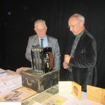 Frank Glynn & Christy Cunniffe with PJ Conlon's musical instrument