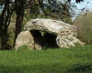 Wedge Tomb at Kilbeg | © Gerry Costello