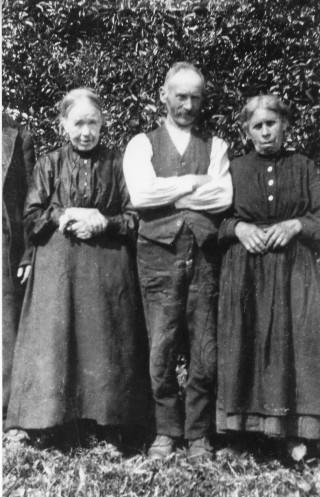 Catherine, Tom & Margaret Melody 1926   Patricia Greber