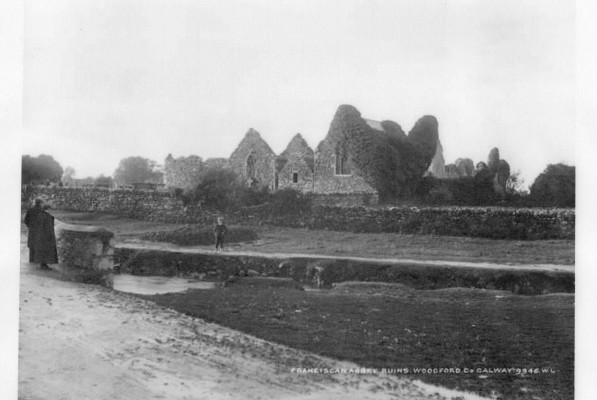 Kilnalahan Abbey taken by photographer Robert French between 1865-1914