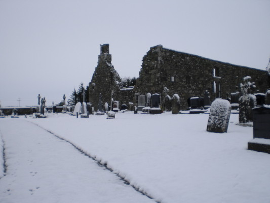 Images of Kilnalahan Abbey in the snow