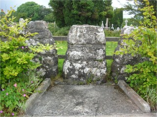 Coffin Rest  at Killaan graveyard near New Inn Co. Galway. | Christy Cunniffe