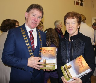 An Cathaoirleach Pete Roche with Sally Flynn, Principal of Cahergal NS | Image: Bernadette Connolly