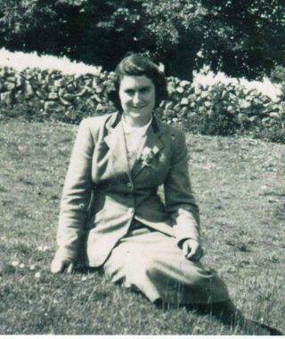 Maureen Mannion, Creevaghbawn (c. 1953) | Photo: courtesy of Rosaleen Molloy, Corofin, daughter.