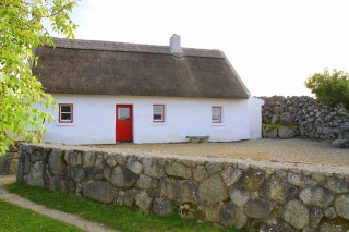 This restored cottage was the birthplace of Michael O'Hehir  | Photo Credit: Bartley Fannin / Cnoc Suain