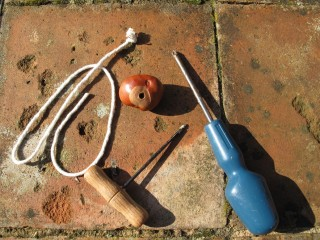Stringing Conkers | Wikipedia