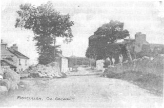 Sraidbhaile Mhaigh Cuilinn i dtus an cheid | From Maigh Cuilinn: a Táisc is a Tuairisc by Pádraic Breathnach.