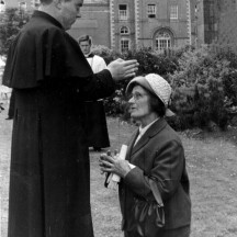 Fr. Mattie Ruane blessing his mother after his ordination in 1962 | © Enda Finnerty