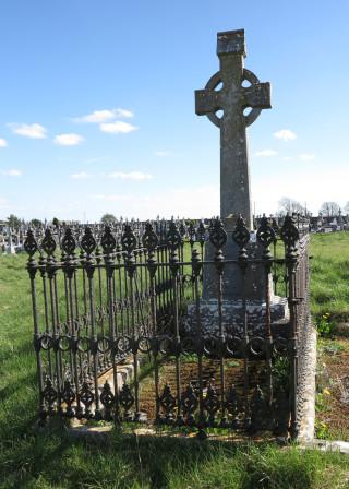 Fr. Joe Canton at Boyhill Cemetery | © Gerry Costello Photography