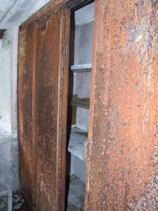 Safe in basement of Woodlawn House | B. Doherty 2015