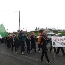 Cahergal schoolchildren leading the parade