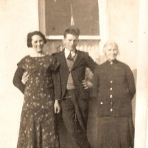 Gerald Mannion, Ellen Mannion and Gerald's mother Mary on right. | Killererin Heritage Society