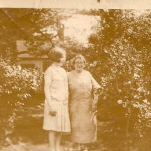 Annie Keane  we presume the lady on the right?) | Killererin Heritage Society
