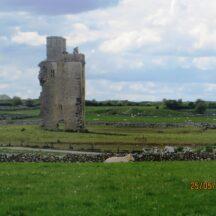 Barnaderg Castle/Tower House    Photo: B. Forde