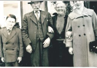 Tom & Dick Seale, May Gregg & Margaret Nolan all dressed and ready to go go to Galway | John Hueston, 1957