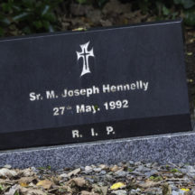 Grave 16 - Hennelly | Roger Harrison