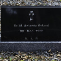 Grave 46 - Hyland | Roger Harrison