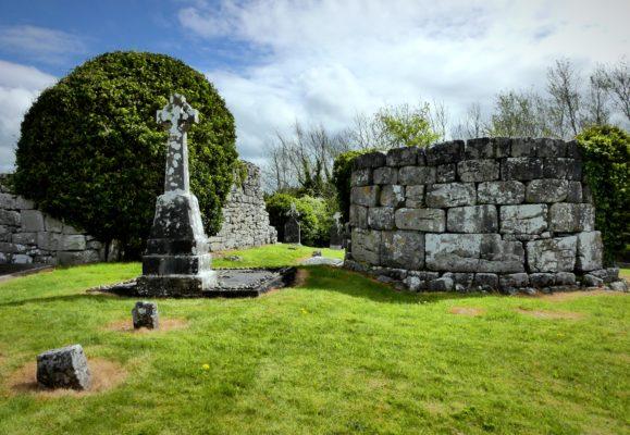 Kilcoona Cemetery & Round Tower   Donaghpatrick Kilcoona Heritage Society