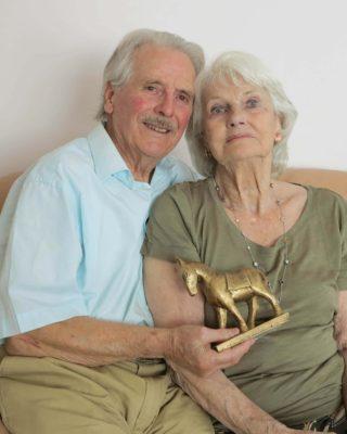 Harry & Eileen McFadden with the Golden Pony Award | Photo: Gerry Costello